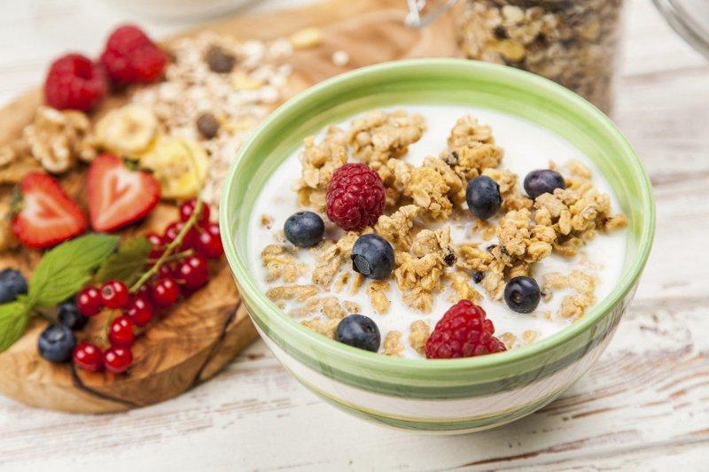 Ngũ cốc pha với sữa tươi giúp bữa sáng đầy năng lượng