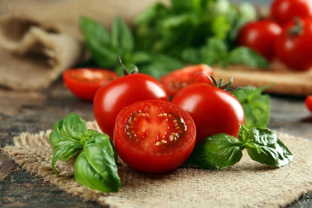 Canh cà chua trứng có độc không?